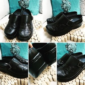 KLOGS Slip resistant  Clogs Shoes 9M Black Leather